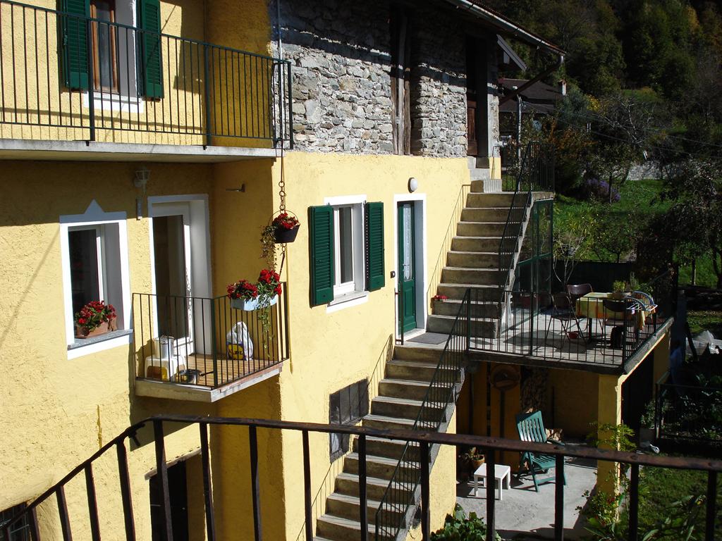 Rustico_Landhaus_Peglio_10_Balkon