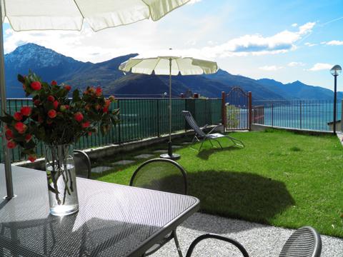 Bilder Ferienwohnung Comer See Sandra_Gravedona_11_Terrasse in Lombardei