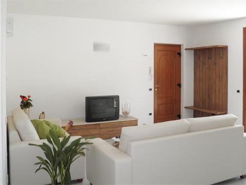 Bilder Ferienwohnung Comer See Sandra_Gravedona_30_Wohnraum in Lombardei