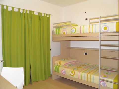 Bilder Ferienwohnung Comer See Sandra_Gravedona_45_Schlafraum in Lombardei