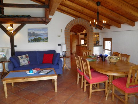 Bilder Ferienwohnung Sangiovese_Gravedona_35_Kueche in Comer See Lombardei