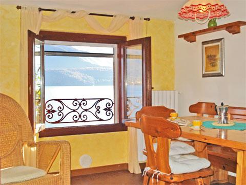 Bilder Ferienhaus Sostra_Domaso_31_Wohnraum in Comer See Lombardei
