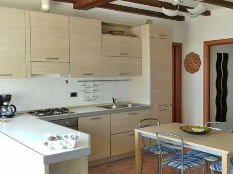Bilder Ferienwohnung Comer See Susana_Gravedona_ed_Uniti_35_Kueche in Lombardei