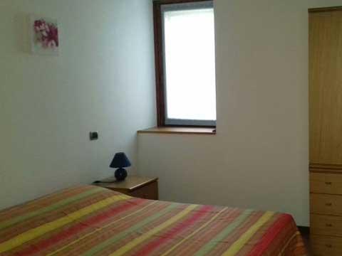 Bilder Ferienwohnung Comer See Susana_Gravedona_ed_Uniti_40_Doppelbett-Schlafzimmer in Lombardei