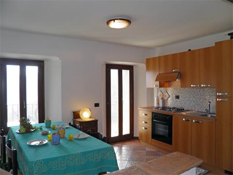 Bilder Ferienwohnung Titti_Dosso_del_Liro_35_Kueche in Comer See Lombardei
