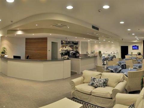 Bilder Hotel Comer See Tullio_Gravedona_30_Wohnraum in Lombardei
