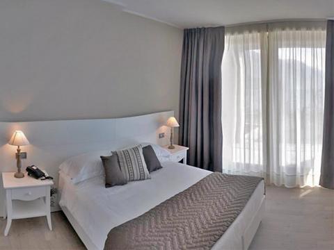 Bilder Hotel Comer See Tullio_Gravedona_41_Doppelbett in Lombardei