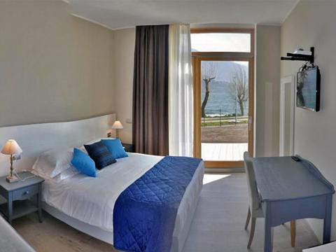 Bilder Hotel Comer See Tullio_Gravedona_46_Schlafraum in Lombardei