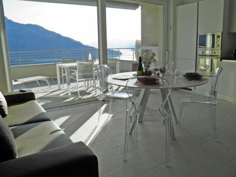 Bilder Ferienhaus Valarin_Firenze_Vercana_31_Wohnraum in Comer See Lombardei