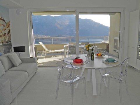 Bilder Wellness Ferienwohnung Comer See Valarin_Napoli_Vercana_30_Wohnraum in Lombardei