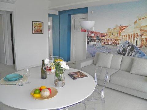 Bilder Wellness Ferienwohnung Comer See Valarin_Napoli_Vercana_31_Wohnraum in Lombardei