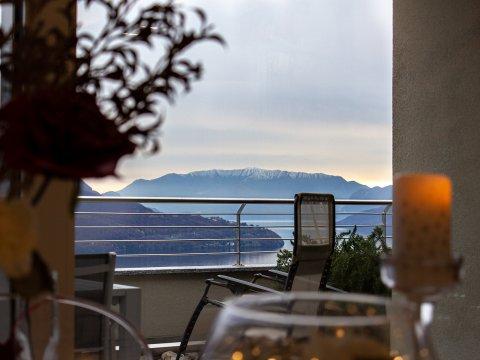 Bild von ferienhaus am Comersee Valarin_Palermo_Vercana_10_Balkon