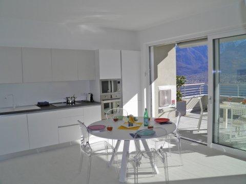 Bilder Wellness Ferienwohnung Comer See Valarin_Palermo_Vercana_36_Kueche in Lombardei