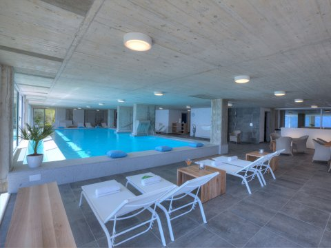 Bilder Wellness Ferienwohnung Comer See Valarin_Verona_Vercana_16_Pool in Lombardei