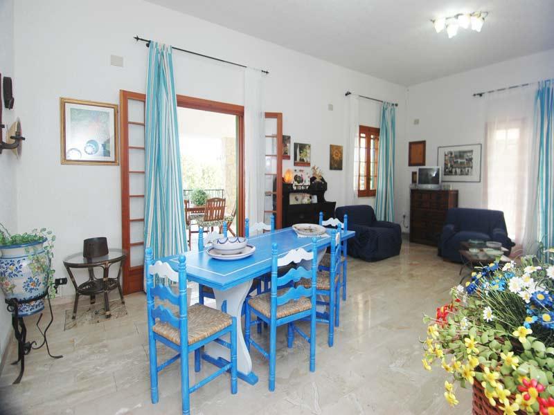 Villa_I_Faraglioni_Castellammare_del_Golfo_31_Wohnraum