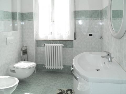 Bilder Ferienwohnung Vista_Vercana_50_Bad in Comer See Lombardei