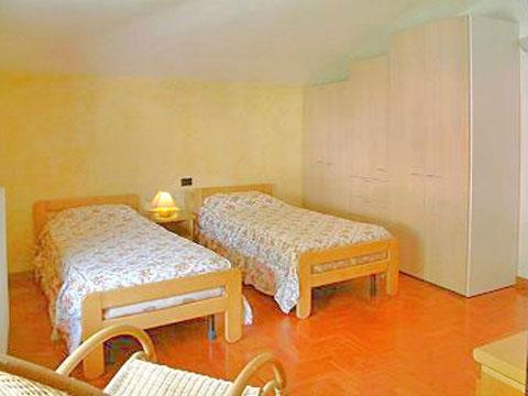 Wohnung_in_Villa_Domaso_45_Schlafraum