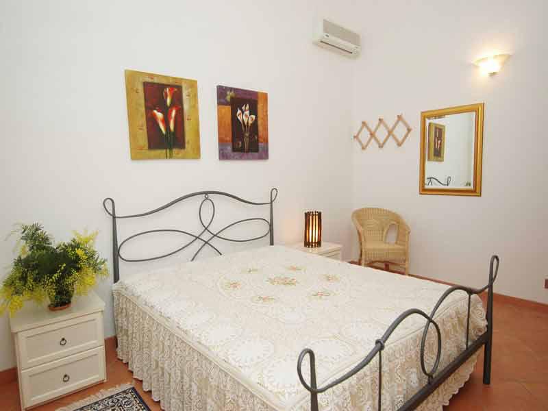 Bilder  dei_Limoni_Castellammare_del_Golfo_40_Doppelbett-Schlafzimmer in Sizilien Nordküste Sizilien