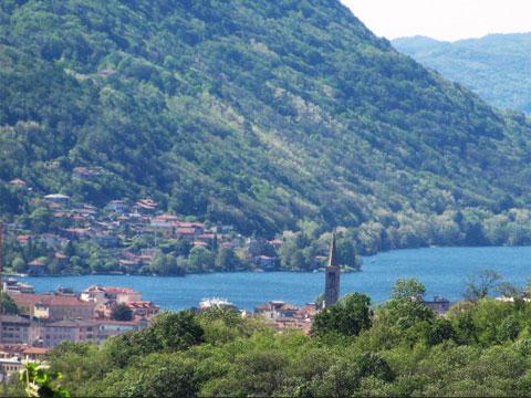 Immagini di Case vacanza e guida turistica a Casale Corte Cerro
