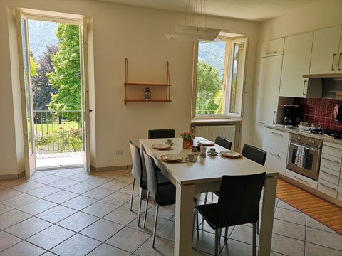 Bild von Ferienhaus in Italien Lake Como Apartment in Carlazzo Lombardy