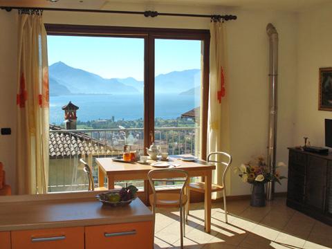 Bilder von Comer See Ferienhaus Ai_Ronchi_Gravedona_31_Wohnraum