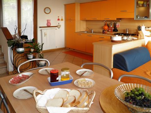 Bilder von Comer See Ferienhaus Ai_Ronchi_Gravedona_35_Kueche
