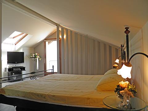 Bilder von Comer See Ferienwohnung Al_Motto_Cremia_40_Doppelbett-Schlafzimmer