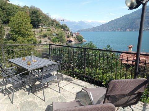 Bilder von Comer See Ferienhaus Alessia_Rezzonico_10_Balkon