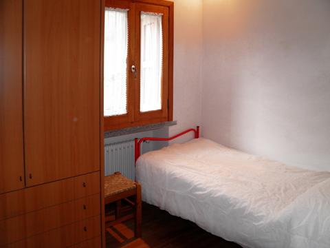 Bilder von Comer See Ferienhaus Alessia_Rezzonico_45_Schlafraum