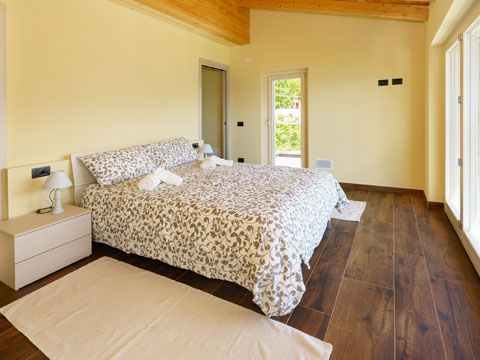 Bilder von Lago di Como Appartamento Alex71_Secondo_Gera_Lario_40_Doppelbett-Schlafzimmer