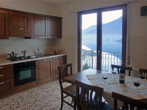 Bilder von Lago di Como Appartamento Alex_Primo_Domaso_35_Kueche