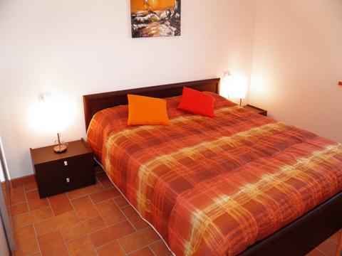Bilder von Comer See Ferienwohnung Alex_Secondo_Domaso_40_Doppelbett-Schlafzimmer