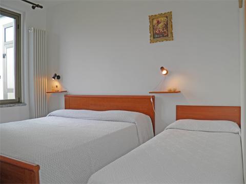 Bilder von Comer See Ferienwohnung Alla_Spiaggia_Pianello_del_Lario_45_Schlafraum