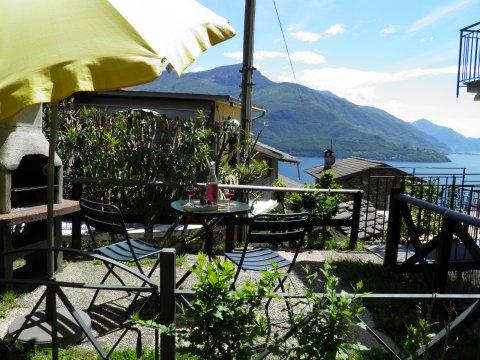 Bilder von Comer See Ferienwohnung Amarone_Gravedona_11_Terrasse