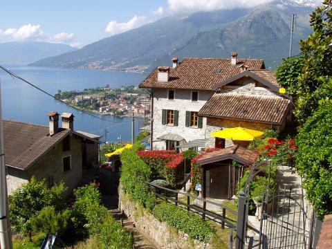 Bilder von Comer See Ferienwohnung Amarone_Gravedona_55_Haus