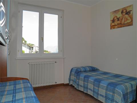 Bilder von Lake Como Apartment Aneris_Gravedona_45_Schlafraum