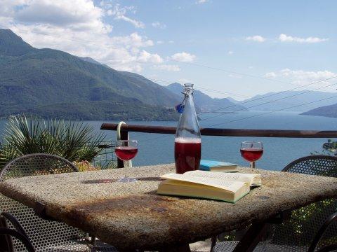 Bilder von Comer See Ferienwohnung Asti_Gravedona_21_Garten
