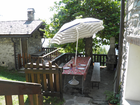 Bilder von Comer See Ferienhaus Baita_del_Romy_Gravedona_20_Garten