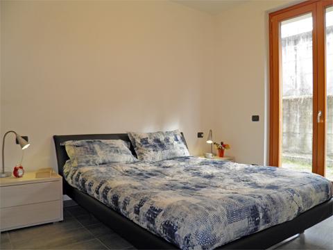 Bilder von Comer See Ferienwohnung Barbarossa_Colico_40_Doppelbett-Schlafzimmer