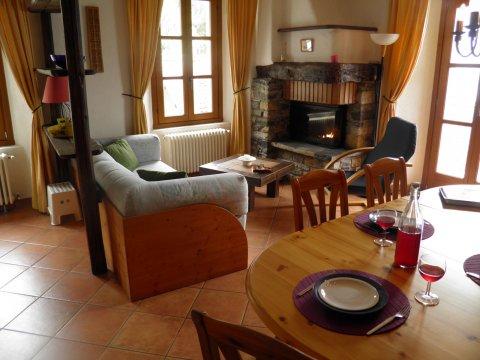 Bilder von Lago di Como Appartamento Barolo_Gravedona_31_Wohnraum