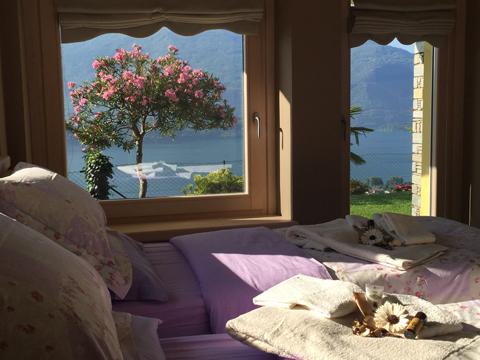 Bilder von Comer See Ferienwohnung Bella_Vista_Primo_Vercana_41_Doppelbett