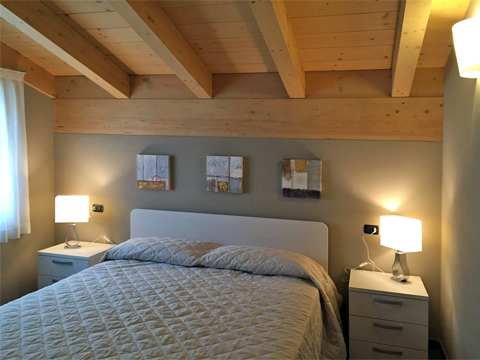 Bilder von Lake Como Apartment Bella_Vista_Secondo_Vercana_40_Doppelbett-Schlafzimmer