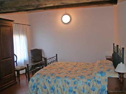 Bilder von Chianti Ferienwohnung Borgo_1_Castelnuovo_Berardenga_40_Doppelbett-Schlafzimmer