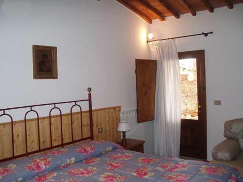 Bilder von Chianti Ferienwohnung Borgo_2_Castelnuovo_Berardenga_40_Doppelbett-Schlafzimmer