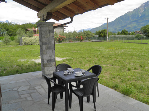 Bilder von Comer See Ferienwohnung Ca_Gio_Al_Borg_Primo_Gravedona_11_Terrasse