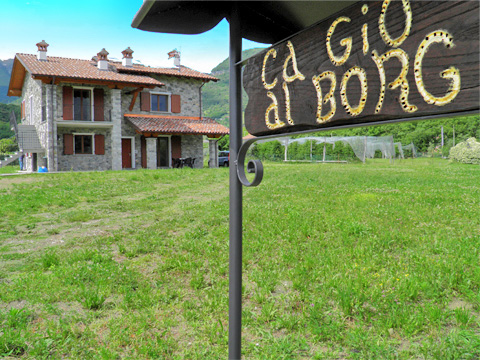 Bilder von Comer See Ferienwohnung Ca_Gio_Al_Borg_Secondo_Gravedona_55_Haus