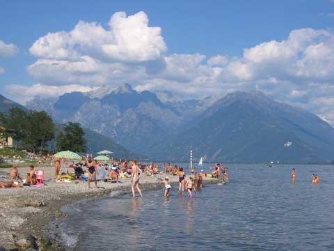 Bilder von Comer See Ferienwohnung Ca_Gio_Al_Borg_Secondo_Gravedona_65_Strand