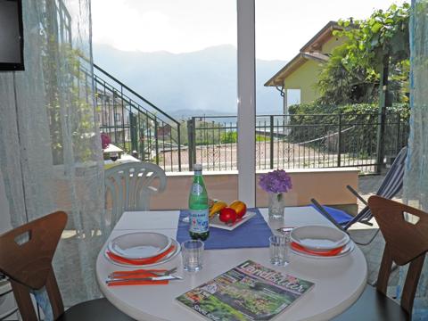 Bilder von Comer See Ferienwohnung Camilla_Vercana_10_Balkon