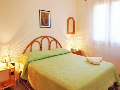 Bilder von Sicily North Coast Villa Carina_54__40_Doppelbett-Schlafzimmer