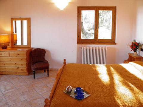 Bilder von Comer See Ferienhaus Casa_Dongo_40_Doppelbett-Schlafzimmer